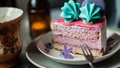 Top 5 Heart Shaped Cakes That Will Spice Up Your Anniversary Celebrations